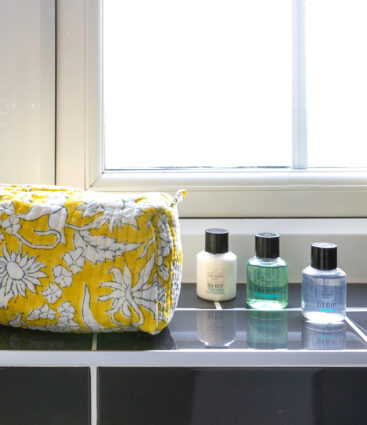 Eki Yellow Wash Bag